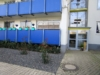Schön geschnittene 2-Zimmer-Wohnung mit Balkon - Hauseingang