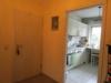 Gepflegtes Dreifamilienhaus - Doppelhaushälfte - Blick in Küche 1.OG