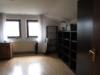 Massives, freistehendes Einfamilienhaus mit Garage und großzügigem Grundstück - Zimmer DG