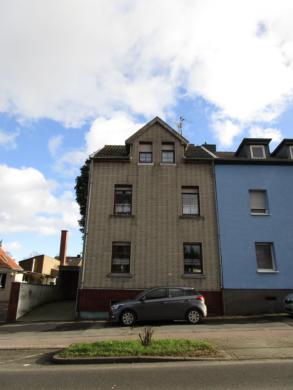 Gepflegtes Mehrfamilienhaus in Alsdorf-Mariadorf, 52477 Alsdorf, Doppelhaushälfte