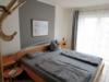 Gut geschnittene und gepflegte Hochpaterre-Wohnung - Schlafzimmer