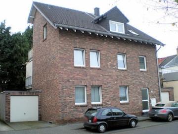 Solides Anlageobjekt – Dreifamilienhaus, 52249 Eschweiler, Mehrfamilienhaus