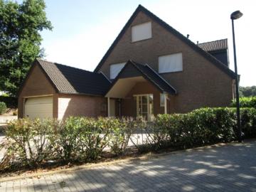 Neuwertige DHH mit Garage, 52249 Eschweiler, Doppelhaushälfte