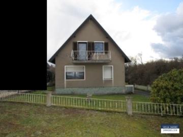 Kleines, freistehendes Einfamilienhaus mit großem Grundstück und Garage, 52249 Eschweiler, Einfamilienhaus