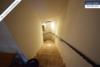 Sehr gepflegtes, freistehendes 1-2 Familienhaus mit 3 Garagen in ruhiger Wohngegend - Treppe zum Keller