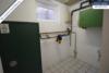 Sehr gepflegtes, freistehendes 1-2 Familienhaus mit 3 Garagen in ruhiger Wohngegend - Hausanschlüsse