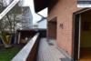 Sehr gepflegtes, freistehendes 1-2 Familienhaus mit 3 Garagen in ruhiger Wohngegend - Terrasse EG