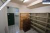 Sehr gepflegtes, freistehendes 1-2 Familienhaus mit 3 Garagen in ruhiger Wohngegend - Vorratskeller